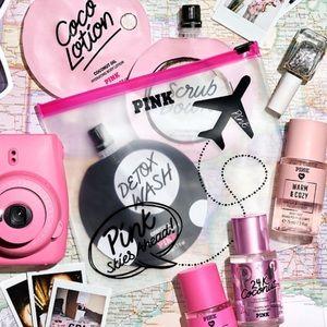 """🔥🆕PINK """"Pink Skies Ahead"""" Traveling Bag ✈️"""